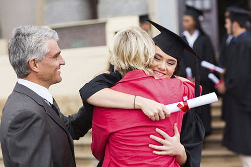Should You Find a Student Loan Cosigner or Go It Alone